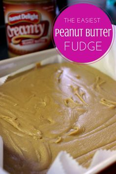 This easy peanut butter fudge recipe is fantastic! Only six ingredients to the best peanut butter fudge treat ever. Your family will love this dessert! (the dip peanut butter) Best Peanut Butter Fudge, Peanut Butter Recipes, Fudge Recipes, Candy Recipes, Sweet Recipes, Dessert Recipes, Fudge Flavors, Top Recipes, Simple Recipes