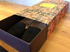 Reuse Idea: Too many shoes? We know the feeling. Store them all - pretty stylishly, we might add - in one of our classic graffiti boxes!