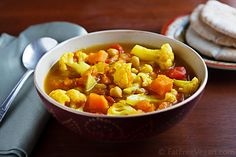 Curried cauliflower & sweet potato soup - I'm making this soup for my lunches next week. Fat Free Vegan Kitchen has a lot of simple soups that I make on Sundays and eat all week long.