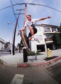 Skate Photos, Skateboard Pictures, Skateboard Art, Skateboard Clothing, Tumblr Boys, Art Michael Jordan, Art Football, Football Moms, Poses