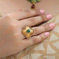 Jewelry Design Earrings, Gold Earrings Designs, Beaded Jewelry Designs, Gold Jewellery Design, Bridal Jewellery, Gold Jewelry Simple, Gold Rings Jewelry, Leather Jewelry, Latest Gold Ring Designs