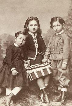 +~+~Antique Photograph~+~+ Three beautiful siblings ca. 1873