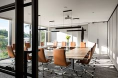 Cunsolo Architects have helped Melbourne based legal practice Moores to transition into a new phase of business by incorporating a great deal more of the modern workplace.