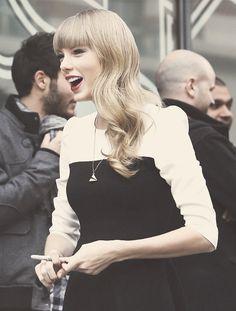 Taylor Swift Bangs, Taylor Alison Swift, Miss Americana, Taylor Lyrics, Origami Necklace, Chic Dress, Selena Gomez, Kylie Jenner, Harry Styles