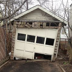 A good garage door never fall