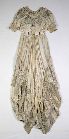 Evening dress (back view) Design House: Callot Soeurs  Designer: Madame Marie Gerber  Date: 1914 Culture: French Medium: Silk, metallic Accession Number: 2009.300.6812a, b