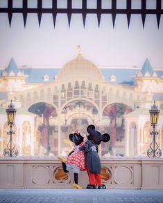 Cute Disney, Disney Mickey, Walt Disney, Disney Trips, Disney Parks, Disney World Characters, Wallpaper Iphone Disney, Disney Addict, Disney Pictures