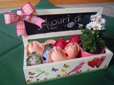 La primavera nel cuore  http://creandosicrescecrescendosicrea.tumblr.com/post/22827778393/ddecorazioneportavasi