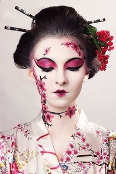 Playing a Geisha Airbrush makeup inspired by a traditional Japanese style of theater - Kabuki - a thick white electric face to create a dramatic look with classic black lines to define the character. Fx Makeup, Airbrush Makeup, Makeup Geek, Makeup Eyeshadow, Maquillaje Halloween, Halloween Face Makeup, Geisha Make-up, Fantasy Make Up, Fantasy Hair