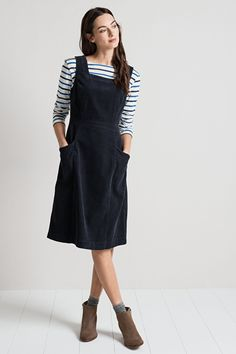 A classic pinafore style dress with a signature Seasalt twist. Our High Deck Pinafore Dress is made from chunky yet soft and supple cord. It falls below the knee and has a side zip and two angled pockets. Just add a dash of Breton stripes for a more feminine nautical look.