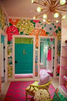 This would be such a cute girls room!!!!!
