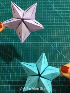 10 Fun Paper DIY Ideas – Origami Crafts – DIY For Kids - Star Idea 10 Easy Paper Craft Ideas – DIY For Kids - Paper Stars Idea Winter bastelnWinter Einfach und unterhaltsam Basteln Instruções Origami, Paper Crafts Origami, Paper Crafts For Kids, Paper Crafting, Diy For Kids, Origami Envelope, Paper Folding Crafts, Origami Videos, Origami Hearts