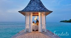Romantic dinner for two! ♥ it! #Jamaica #DestinationWedding