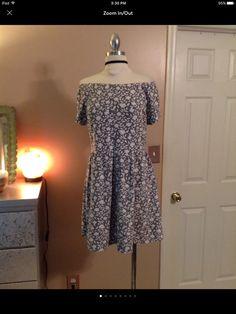 4d077262457 Topshop Size 12 Womens Floral Short Sleeve Skater Dress Holiday Mini Black  White  fashion