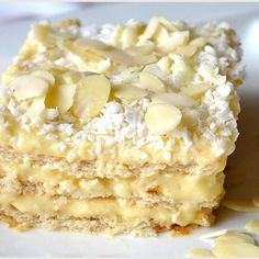Tarta z truskawkami i bitą śmietaną (bez pieczenia) - I Love Bake Cold Desserts, Cookie Desserts, Sweet Desserts, No Bake Desserts, My Favorite Food, Favorite Recipes, Slovak Recipes, Sweet Cupcakes, Love Eat