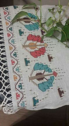 This Pin was discovered by Fad Folk Embroidery, Embroidery Stitches, Embroidery Patterns, Turkish Fashion, Bargello, Loom Patterns, Couture, Needlework, Diy And Crafts