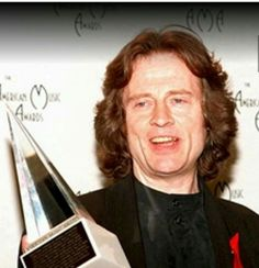 John Paul Jones. January 30, 1995 - American Music Awards - Los Angeles, California. The group won the International Artist Award.