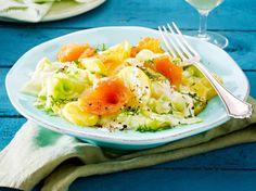 Unser beliebtes Rezept für Kartoffelsalat mit Stremellachs, Gurke und Meerrettich-Joghurt-Dressing und mehr als 55.000 weitere kostenlose Rezepte auf LECKER.de.