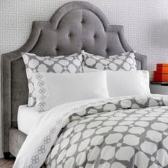I am just loving Grey lately.add some soft yellow to this and it would be even more gorgeous!Grey bedding for Teresa Jonathan Adler Hollywood Grey Duvet Cover or Set Home Bedroom, Master Bedroom, Bedroom Decor, Gray Bedroom, Bedroom Ideas, Bedroom Loft, Bedroom Inspiration, Clean Bedroom, Design Bedroom