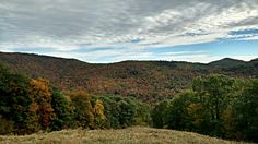 #NewHampshire #Fall #foliage from the top of Mt. Cranmore http://tsu.co/BWDaugherty/84650997 …