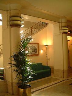 Hackney Town Hall 1930s: London art deco interior
