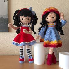 https://flic.kr/p/JC6bZi | one and two... | ...the beginning of a long friendship #crochetdolls