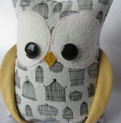 this owl would make a cute baby shower gift!