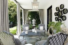 Color Outside the Lines: Million Dollar Decorators: My Take
