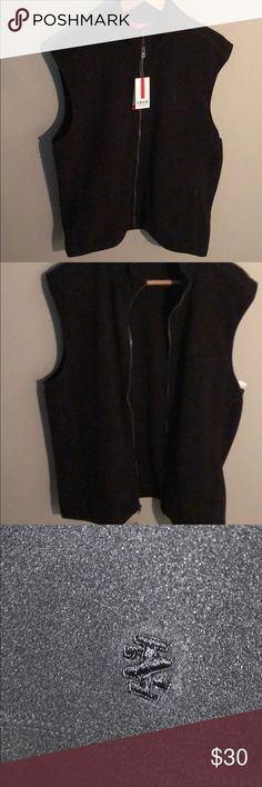 Izod Performance Thermal Vest ***HP 1/19 🎉🎊🎉*** Men's Thermal Vest 100% Polyester Has inner and outer pocket NWT Perfect for training or to keep warm in cold weather Izod Jackets & Coats Performance Jackets