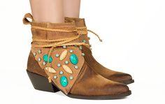 Bota caramelo com pedras turquesa Taquilla - Taquilla - Loja online de sapatos femininos