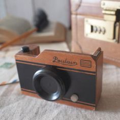 Wooden Tape Dispenser (Camera) | QUIRKS