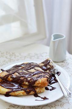 Gesztenyekrémes palacsinta Hungarian Recipes, Hungarian Food, French Toast, Pancakes, Paleo, Baking, Mille Crepe, Eat, Breakfast