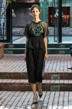 CG Spring 2016 Ready-to-Wear Collection Photos - Vogue