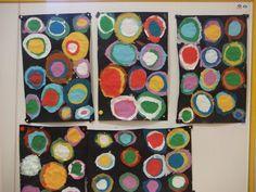 Séance n°3 : peindre des ronds plus petits dans les ronds déjà peints