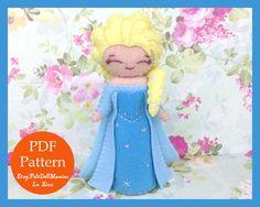 Elsa in Frozen. Frozen. Felt Doll. Felt pattern. PDF Pattern. Sewing pattern. Felt Crafts.