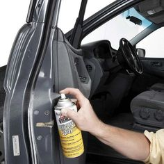 Auto Repair Fundamentals That Can Benefit Everyone. Sitting idly by when your car needs repair is never a good idea. If you're going to be shelling out a lot of money to have your car repaired, there are som Car Cleaning Hacks, Deep Cleaning Tips, Car Hacks, Toilet Cleaning, House Cleaning Tips, Cleaning Solutions, Spring Cleaning, Car Interior Cleaning, Shower Cleaning