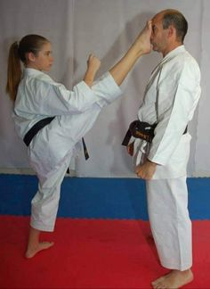 Martial Arts Quotes, Martial Arts Women, Mixed Martial Arts, Judo, Taekwondo Girl, Karate Kick, Shotokan Karate, Female Martial Artists, Martial Arts Training