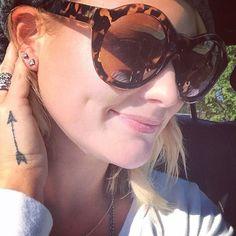 It's A Diamond This Time: Miranda Lambert Celebrates Her 32nd Birthday By Getting Her Ear Pierced - http://www.movienewsguide.com/diamond-time-miranda-lambert-celebrates-32nd-birthday-getting-ear-pierced/118064