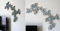 DIY Flower Wall Art - old toilet paper rolls Diy Living Room Decor, Room Wall Decor, Room Art, Toilet Paper Roll Art, Paper Crafts, Diy Crafts, Paper Paper, Tissue Paper, Diy Wall Art