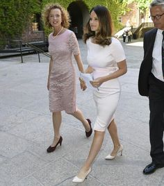 Royal, Fashionista and hard working mom: Princess Sofia Wears the Pretty Pink Dress
