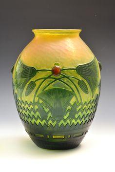 E.GALLE___ci.1900__Vase-Egyptian-style-©-Musee-de-lEcole-de-Nancy