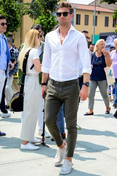 Ankle pants are excellent for men's cords for long seasons! Introducing the Faller's Dressing & Recommendations-Page 11 - Men's Style White Shirt Outfits, White Shirt Men, Outfit Jeans, Basic Outfits, Geek Outfit, Formal Outfits, Rock Outfits, Emo Outfits, Casual Outfits