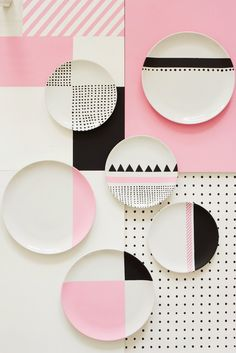 Charlotte Love is a London-based interior stylist and set designer who recently made a color pop series with still-life photographer Joanna Henderson - nice easy pattern to DIY Ceramic Painting, Ceramic Art, Pottery Painting Ideas, Ceramic Plates, Ceramic Pottery, Textures Patterns, Color Patterns, Design Patterns, Geometric Patterns