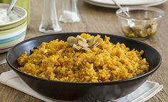 מתכון לקיצ'רי - אורז עם עדשים כתומות מהמטבח העירקי, או אם תרצו המג'דרה של העיראקים. מתכון צמחוני טבעוני מעולה, שמתאים פשוט לכולם Vegan Indian Recipes, Delicious Vegan Recipes, Yummy Food, Ethnic Recipes, Tasty, How To Cook Rice, How To Cook Pasta, Cooking Chicken Wings, Rice