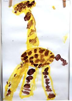 Giraf vingerverven met jongste kleuters 2, thema dierentuin, kleuteridee.nl , Preschool giraffe fingerpaint.