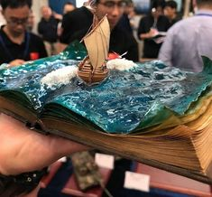 Miniature ancient sailship on book base ocean diorama modeler not known 🎖🎖. - Kunst - Home Epoxy Train Miniature, Miniature Crafts, Resin Crafts, Resin Art, Book Sculpture, Sculptures, Ocean Diorama, Art Plastique, Altered Books