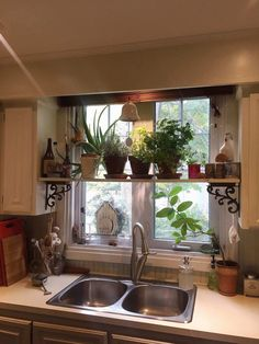 DIY Home Decor Projects To Give Any Room a Makeover - Farmhouse Window Styles - Lovely Farmhouse Window Styles , 35 Unique Modern Farmhouse Living Room Ideas Stock Farmhouse Windows, Farmhouse Kitchen Decor, Home Decor Kitchen, Modern Farmhouse, Kitchen Plants, Kitchen Ideas, Kitchen Designs, Small Kitchen Decorating Ideas, Country Kitchen Diy