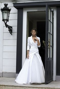 Cymbeline - French Wedding Dresses perfect for Brides Over Mature Brides, Second Time Weddings Cymbeline Wedding Dresses, Bridal Dresses, Wedding Gowns, Wedding Dress Over 40, Wedding Bride, Wedding Venues, Wedding Dress Older Bride, Diy Wedding, Bridesmaid Gowns