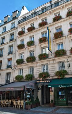 Grande Hotel Leveque - wonderful hotel in Paris, by Eiffel Tower Courtyard Hotel, Grande Hotel, Paris Girl, Paris Hotels, Tour Eiffel, Paris Street, Rue, Hotel Offers, Places To Travel