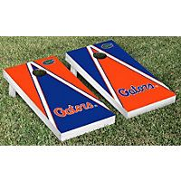 Show off your University of Florida spirit with this Victory Tailgate Florida Gators Cornhole Game Set. Set includes 2 high quality cornhole boards with folding legs